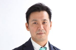 profile_002-min